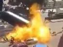 """Xe chở dầu phát nổ, người """"hôi dầu"""" thành đuốc sống"""