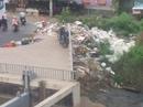 Bãi rác lộ thiên dưới cầu Sài Gòn