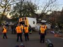 Mỹ: Xe buýt chở học sinh bị lật, 6 người thiệt mạng