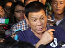 Ông Duterte tự lái mô tô đi giết tội phạm