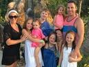 Tâm thư của vợ đi nghỉ mát, phó thác 6 con cho chồng