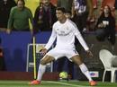 """Làm hay như nói, Ronaldo """"giải cứu"""" thầy Zidane"""