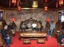 Bộ bàn ghế gỗ cẩm lai vàng giá gần 700 tỉ đồng