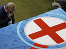 Tuyển Anh bị loại, HLV Hodgson từ chức