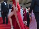 Diện đầm xẻ tận eo, Bella Hadid thách thức ánh nhìn tại Cannes