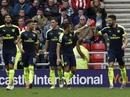 Ghi 3 bàn trong 7 phút, Arsenal đè bẹp Sunderland