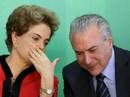 Tổng thống Brazil bị dồn ép
