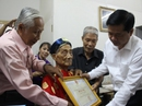 Lãnh đạo TP HCM thăm các cụ cao tuổi