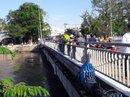 Nữ tạp vụ trường tiểu học gieo mình xuống sông
