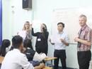 SV Việt Giao học tiếng Anh theo chương trình Tesol với giáo viên ngoại