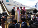 Vua Ả Rập Saudi mua hơn 6 tấn hàng lưu niệm ở Bali