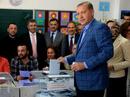 Thắng trưng cầu dân ý, tổng thống TNK thêm sức mạnh