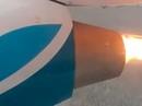 Nga: Máy bay hạ cánh khẩn vì động cơ cháy ngùn ngụt