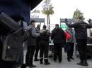 """""""Bị bạn gái đòi chia tay"""", cảnh sát Pháp xả súng rồi tự sát"""