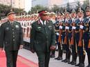 """Trước """"đảo chính"""" vài ngày, tư lệnh Zimbabwe thăm Trung Quốc"""