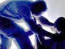 Mẹ vắng nhà lúc rạng sáng, bé 9 tuổi bị cướp hiếp dâm