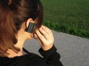 Cô gái trẻ bị buộc phải trả 1,1 tỉ tiền cước điện thoại