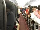 Cặp vợ chồng đấm nhau sưng mắt trên máy bay chưa nộp phạt