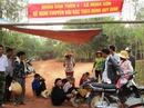 Dân lập lán trại chặn xe ngăn bãi rác gây ô nhiễm