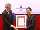 Nhà thơ Mai Văn Phấn được trao giải Cikada danh giá của Thụy Điển