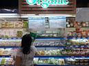 Đắt gấp 2-3 lần, rau hữu cơ vẫn mù mờ chất lượng