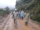 Chủ tịch Quảng Nam băng núi kiểm tra việc dựng nhà cho dân