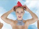 Quảng cáo bằng hình ảnh tiếp viên hàng không khỏa thân gây tranh cãi