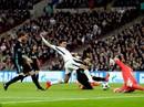 Bàn mở tỉ số của Tottenham vào lưới Real không hợp lệ?