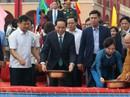 Chủ tịch nước thả cá chép trong ngày tiễn ông Táo