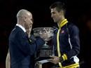 """Trượt dài phong độ, Djokovic """"bái sư"""" Agassi"""