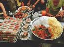 """""""Thiên đường ẩm thực"""" trong hẻm ở Sài Gòn"""