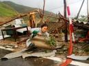 Cận cảnh trường học tan hoang, nhà cửa đổ nát sau bão