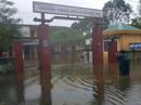 Quảng Trị: Hơn 300 nhà dân vẫn còn ngập sâu trong nước