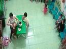 Ăn nhầm bột thông bồn cầu, 3 trẻ mầm non nhập viện cấp cứu