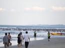 Bãi biển sạch nổi tiếng của Đà Nẵng ngập du khách