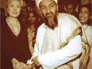 Thực hư bức ảnh bà Clinton bắt tay Osama bin Laden