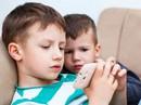 Bố mẹ làm gì khi con thích chơi điện tử hơn đọc sách?