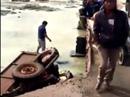 Lâm Đồng: Xe rơi xuống cầu, nạn nhân nguy kịch