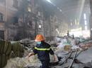 1.200 công nhân cầu cứu sau vụ cháy lớn