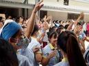 Hàng ngàn công nhân ngừng việc tập thể