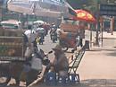 Nhếch nhác xe hàng rong công viên Gia Định