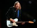 Biểu tượng nhạc rock Tom Petty đột tử tuổi 66