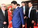 Bất ngờ bữa ăn trưa của Thủ tướng Nhật Bản Shinzo Abe tại APEC