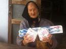 Thực hư vụ cụ bà nhận quà cứu trợ là băng vệ sinh