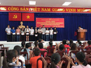 Đoàn viên Công đoàn ưu tú giao lưu với lãnh đạo quận ủy