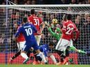 """Trảm"" David Luiz, Conte lại thắng Mourinho"