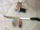 Bắt nhóm chém người cướp điện thoại trên cầu Rạch Miễu