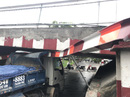 Xe ben gây họa dưới cầu Bùi Hữu Nghĩa