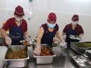Thương lượng nâng giá trị bữa ăn giữa ca từ 20.000 đồng trở lên