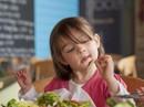 Tập ăn cho quen dần món dị ứng có sao không?